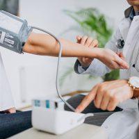 Kardiolog Warszawa – kiedy powinniśmy się do niego udać?