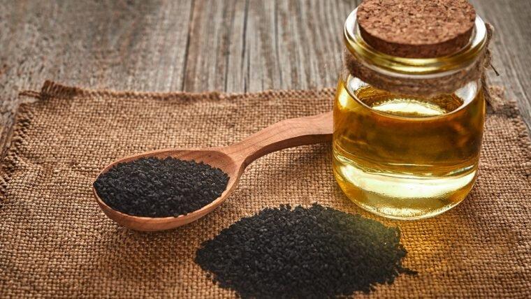 Olej z czarnuszki – sprawdzony sposób na różne dolegliwości zdrowotne