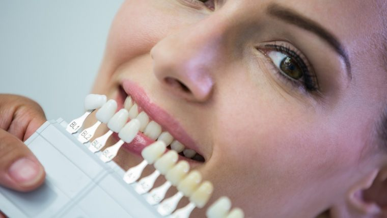Jak na stałe uzupełnić brak zębowy?